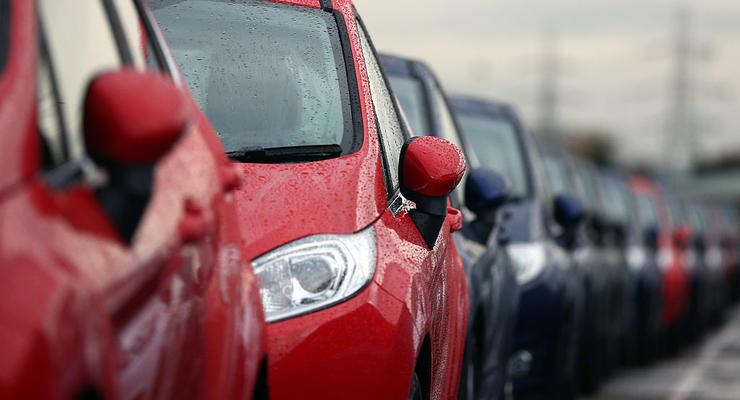 В Украине массово изымают авто на иностранных номерах