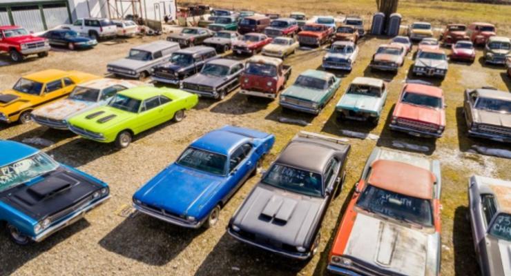 В Канаде выставили на продажу кладбище автомобилей