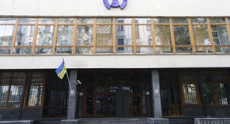 Без стука и с бензопилой: НАБУ проводит обыски в Укрнафте