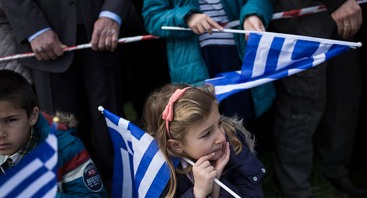 Греки отказываются платить налоги из-за низких доходов