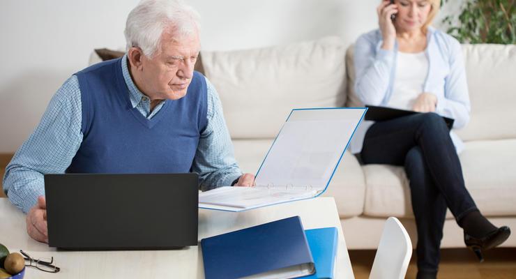 В Украине хотят отменить налоги для работающих пенсионеров