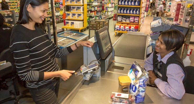 Банковские карты оснастят сканером отпечатков пальцев