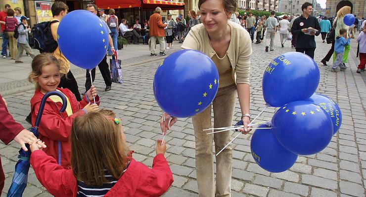 Европа без визы: сколько денег должно быть при себе у украинцев