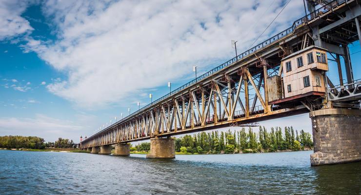Китай инвестирует в строительство моста в Кременчуге