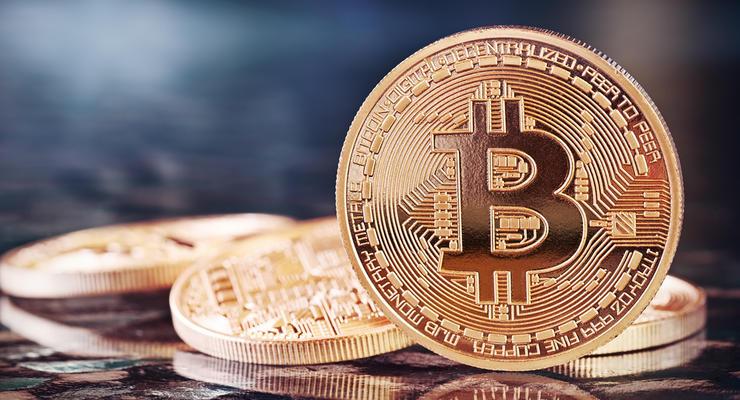 Курс Bitcoin превысил две тысячи долларов