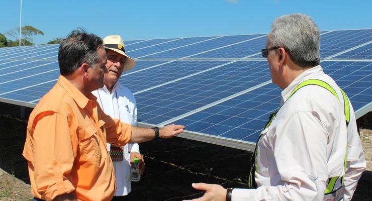 Индия будет инвестировать в украинскую солнечную энергетику