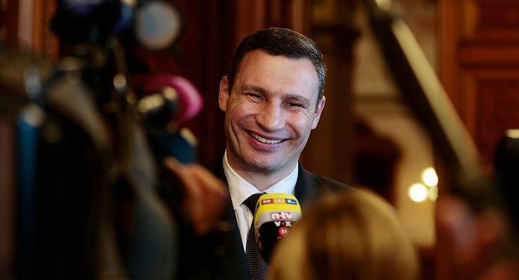 Как сыр в масле: стало известно, кто и сколько получает в мэрии Киева