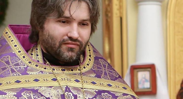 Священник всем миром собирает деньги себе на автомобиль