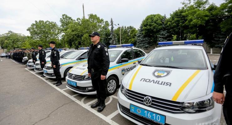Снова берут: украинские полицейские вымогают взятки