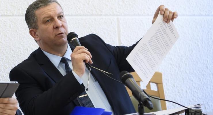 Пока украинцы много едят, Рева получил больше 100 тысяч за июль
