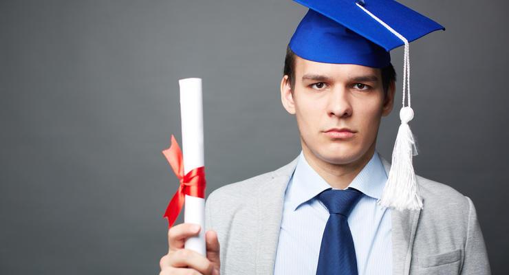 Дипломированные нищие: почему украинцы с ВО не могут найти хорошую работу