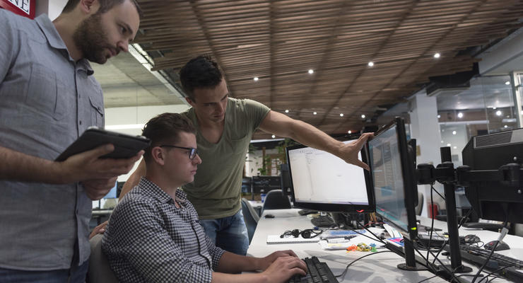 """Уволим программиста: как """"добыть"""" комплексные IT-решения по дешевке"""