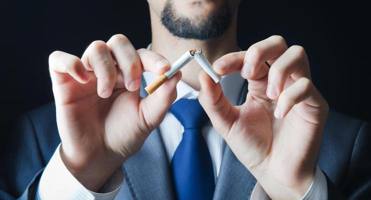 В Раде зарегистрировали законопроект Гройсмана о сигаретах по 90 грн за пачку