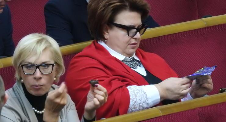 Гроза журналистов Ирина Ефремова любит бренды, сладкое и кнопкодавит