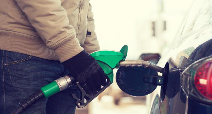 Цена на бензин и ДТ в сентябре выросла на 1,5 грн