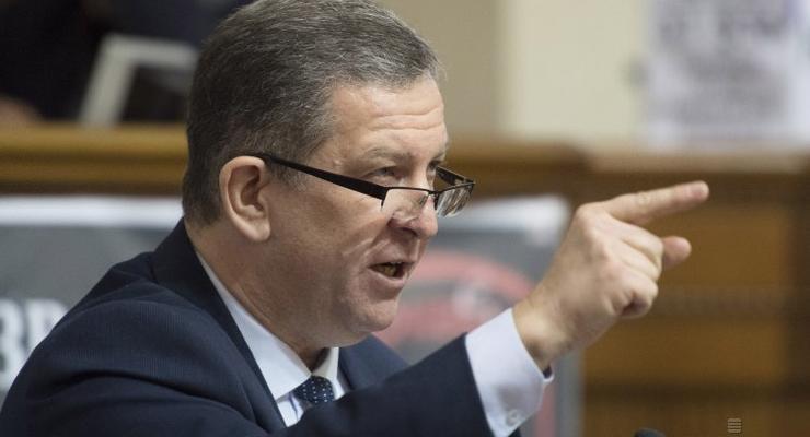 Как и почему растут заработные платы украинских министров