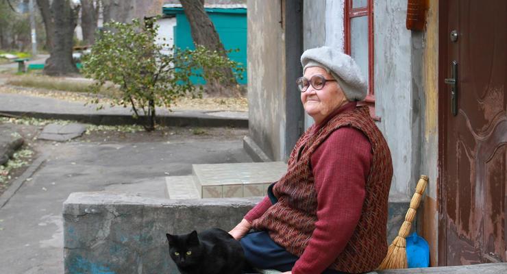 Большая разница: почему одни пенсионеры получили надбавку 100 гривен, а другие - 2 тысячи