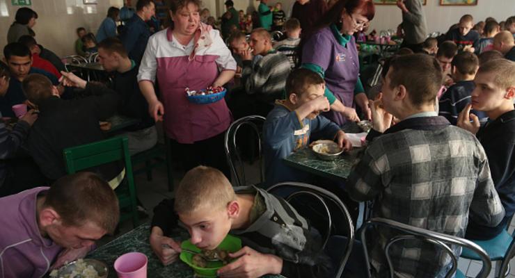Ножки по одежке: шеф-повар показал, как за 11 гривен вкусно накормить школьников