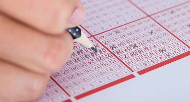 Поступления от лицензирования лотерей вновь не включены в проект бюджета на 2018 год