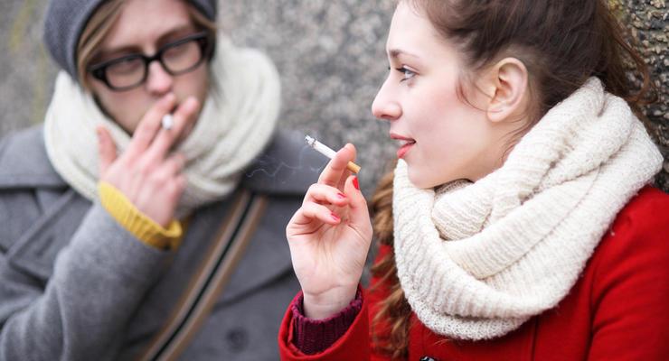 Около 50 гривен за пачку: в Украине рекордно подорожают сигареты