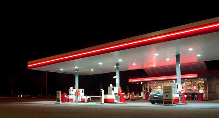 Региональные сети АЗС повысили цены на бензин и ДТ