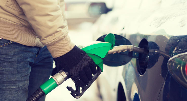 Цены на бензин и дизтопливо на украинских АЗС продолжили рост