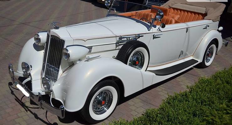 В Украине продают редкий кабриолет Packard за 200 тысяч долларов