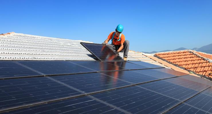 Как заработать на солнечной или ветряной электростанции