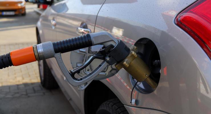 Средняя цена на автогаз опустилась ниже 13 грн/л