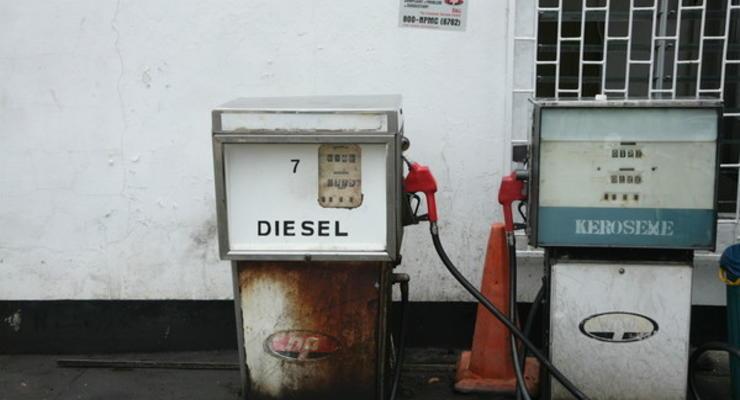 АМКУ уличил двух операторов АЗС в синхронном повышении цен на бензин