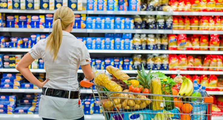 Больше всего украинцы тратят на еду - Госстат