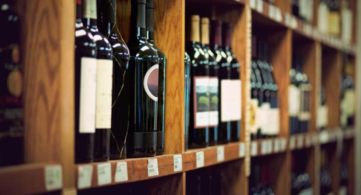 В Украине вступил в силу закон, ограничивающий продажу алкоголя