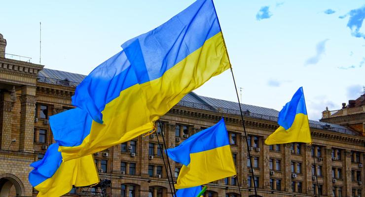 Украина включила в список санкций олигархов РФ