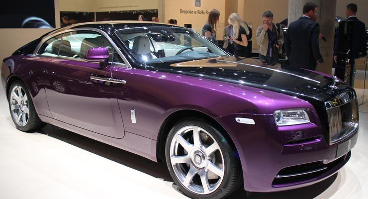 Львовская таможенница переписала Rolls-Royce на 74-летнюю свекровь