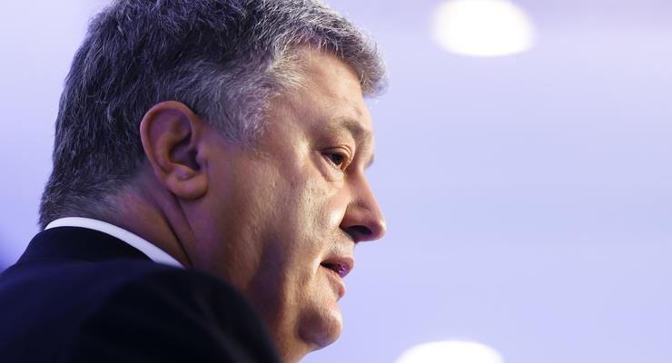Порошенко сравнил коррупцию в Украине с российской агрессией