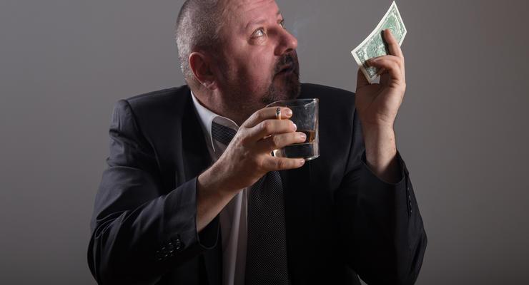 Сигареты и алкоголь стремительно дорожают: чего ждать дальше