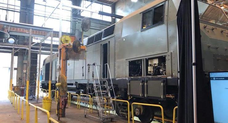 Появилось фото первого американского локомотива для Украины
