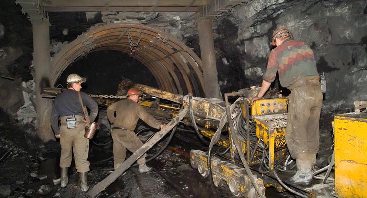 Рада выделила 1,4 миллиарда гривен на долги шахтерам