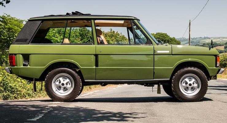 """В Британии за 100 тысяч фунтов стерлингов продали """"королевский"""" Range Rover"""