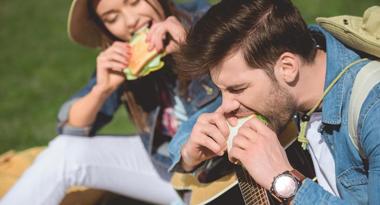 Как подорожал в Украине бутерброд с салом