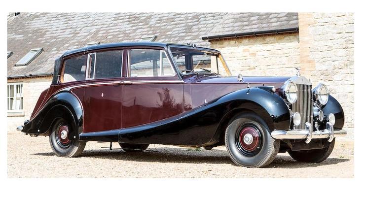 В Англии выставлен на продажу Rolls-Royce, на котором ездила королева