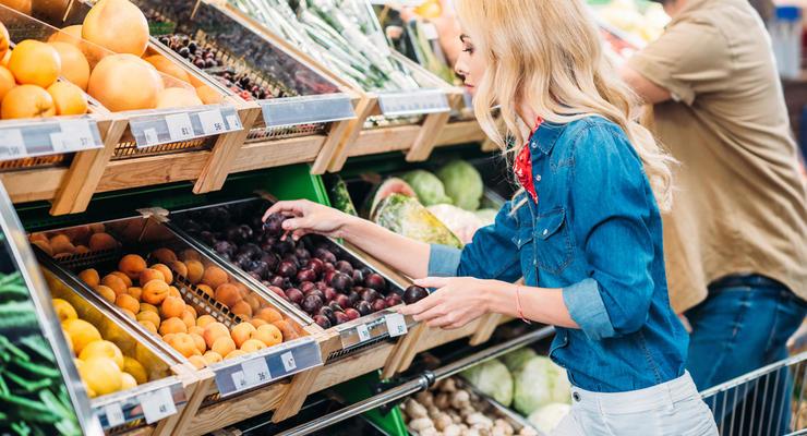 Сколько стоят продукты в столицах Украины и Польши