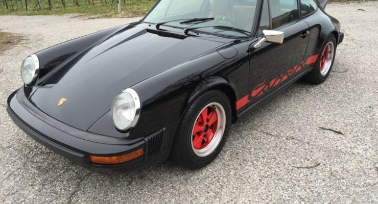 На аукционе выставлен оригинальный Porsche Carrera 911