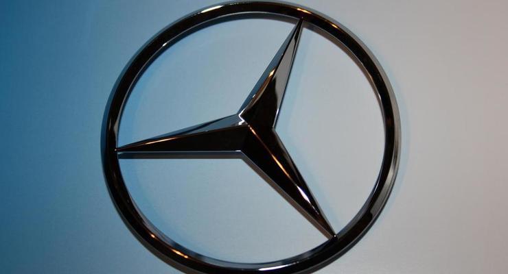 В Украине продают бронированный Mersedes из автопарка немецкого канцлера
