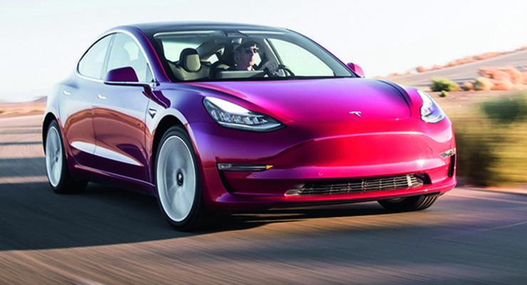 Интерьеры Tesla Model S и Model X станут попроще