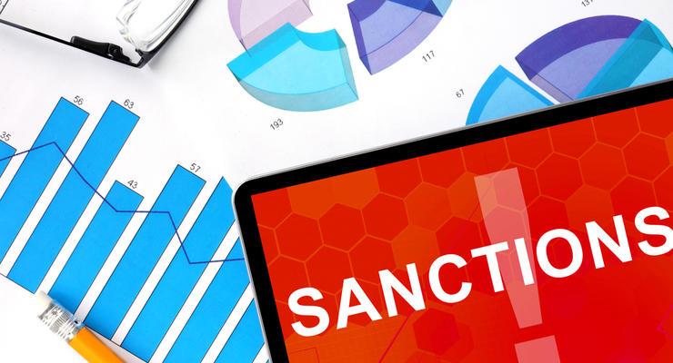 322 физлица, 68 юрлиц: Кто в списке российских санкций
