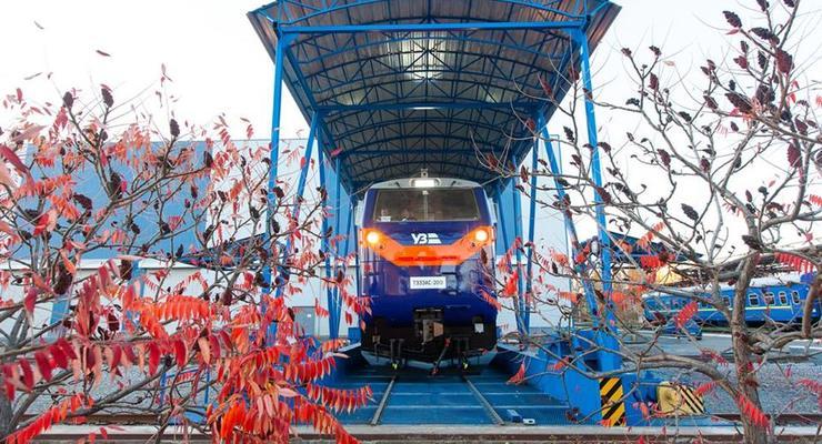 Тепловоз General Electric выходит на тестовый рейс в Украине