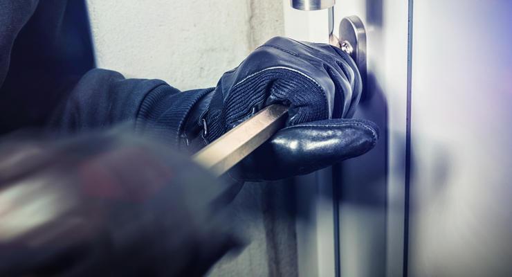 Во сколько обойдется защитить квартиру от воров