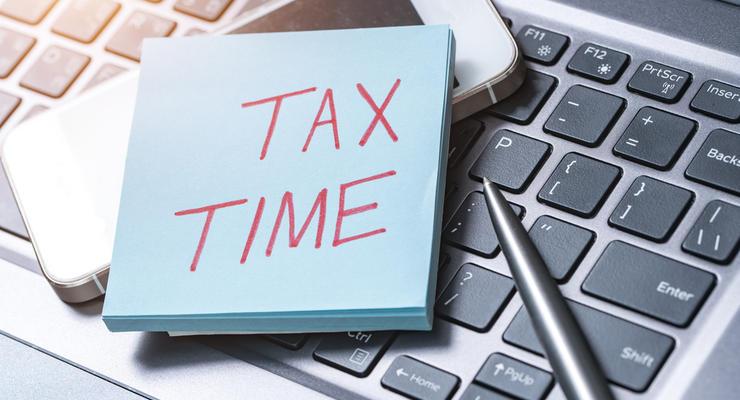 Кабмин предлагает собирать больше налогов с высоких зарплат
