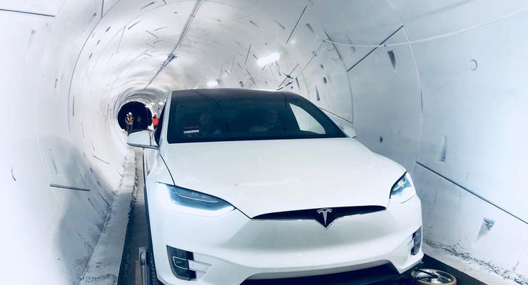 Илон Маск открыл первый скоростной подземный тоннель в мире